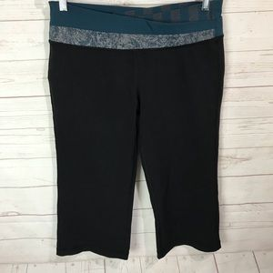 Lululemon Capri in Black Size 12